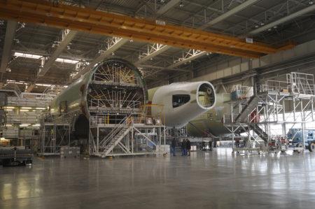 Secciones  del A380 preparadas para iniciar el montaje en la factoría de Toulouse.
