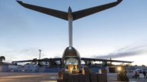 Airbus está usando u n A400M para traer a España mascarillas quirúrgicas.