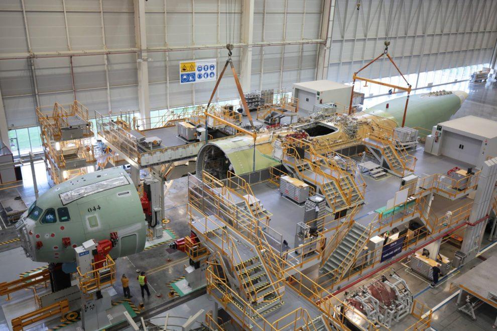 Montaje en Sevilla del primer A400M del Ejército del Aire. En 2018 saldrán 15 nuevos aviones de la FAL.