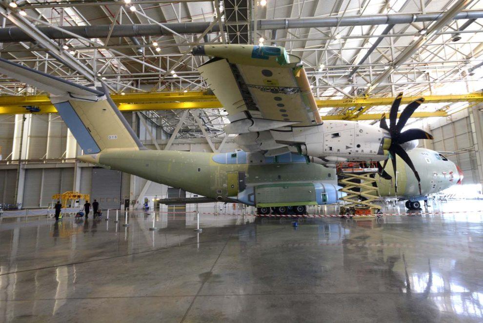 Las cadenas de montaje de Airbus en España pararán sus trabajos como parte de la suspensión de actividades ordenadas por el Gobierno español.