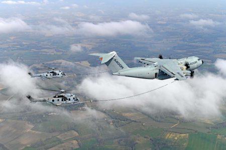 Durante las pruebas se ha repostado simultaneamente dos H225M.