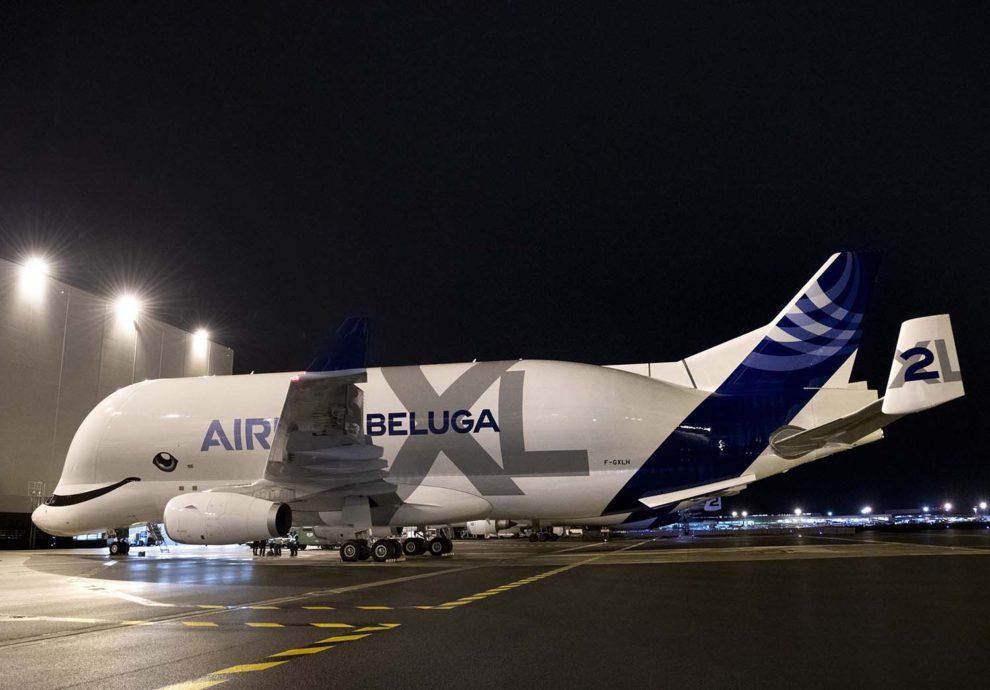 El primer Beluga XL ya con su matrícula definitiva listo para su primer vuelo comercial.