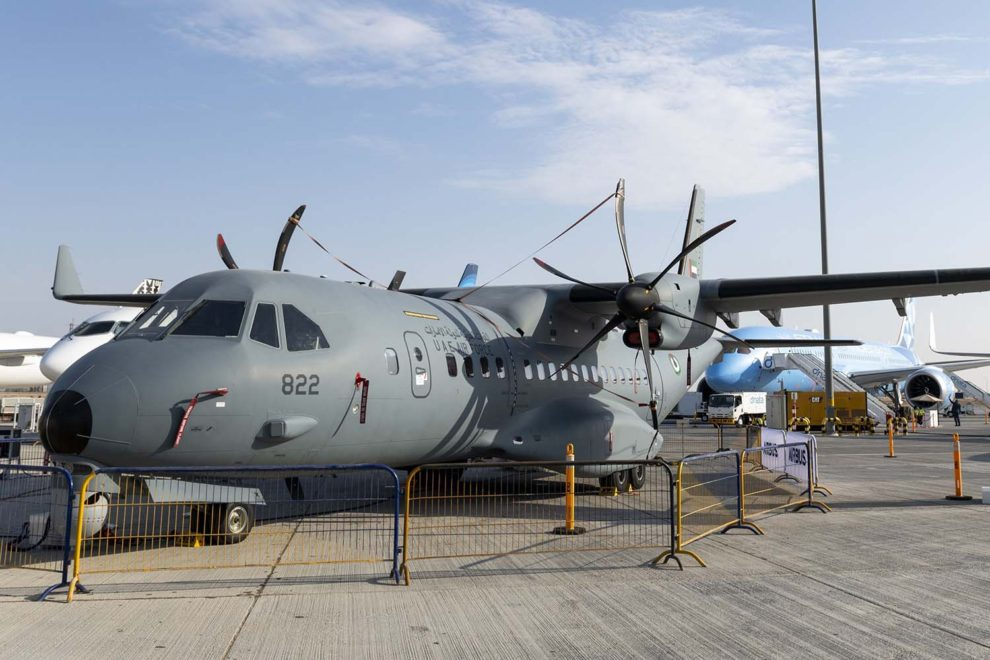 Airbus C295MPA/ISR de Emiratos Árabes Unidos expuesto en el salón de Dubai.