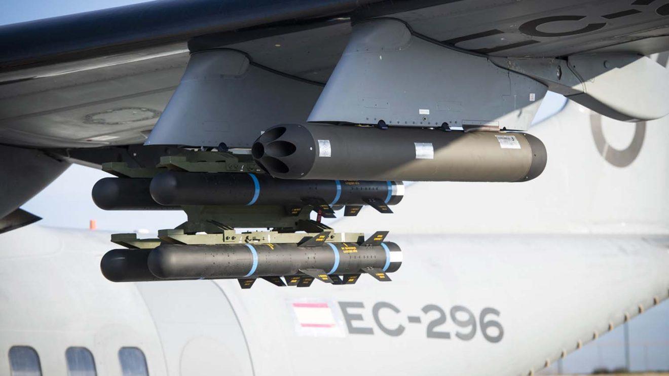 Misiles anti tanque Roketsan L-UMTAS guiados por laser y lanzacohetes no guiados CAT-70.