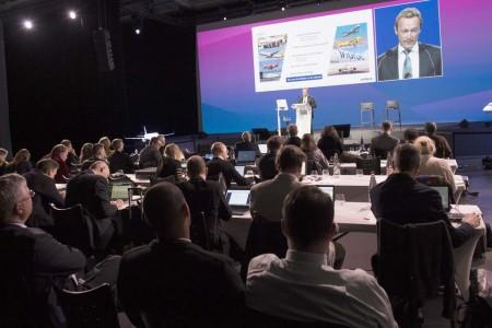Fabrice Bregier durante un momento de su intervención para anunciar las ventas y entregas de Airbus en 2016.