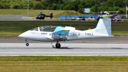El E-Fan es un demostrador de avión eléctrico de Airbus en la búsqueda de un avión comercial que vuele gracias sólo a la electricidad.