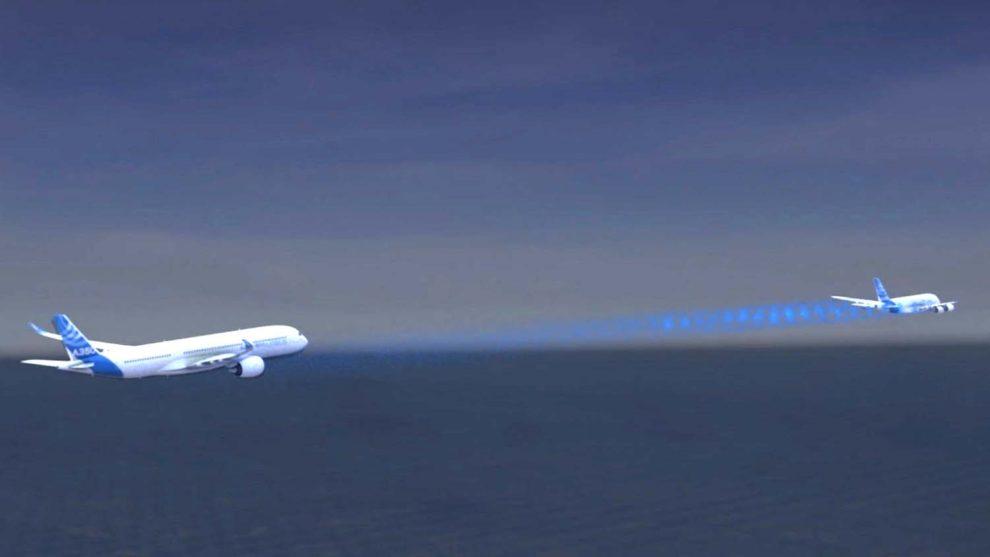 Dos aviones volando en formación a un 3 km de distancia puede ser el futuro del transporte aéreo.