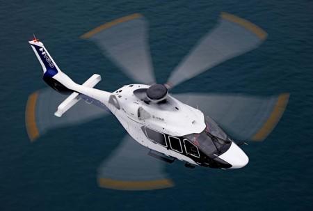 El H160 puede transportar a 12 pasajeros a una plataforma petrolífera a 222 km y regresar a su base.