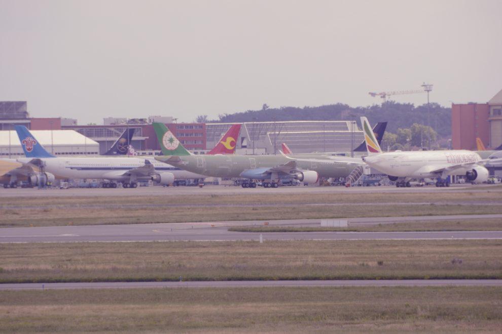 Aviones de Airbus siendo preparados para su entrega en Toulouse.