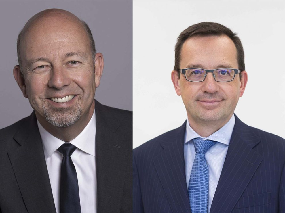 Julian Whitehead (izquierda) y Xavier Tardy (derecha) de Airbus Defence and Space.