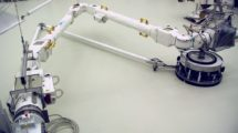 El nuevo brazo robótico para la ISS durante sus pruebas.