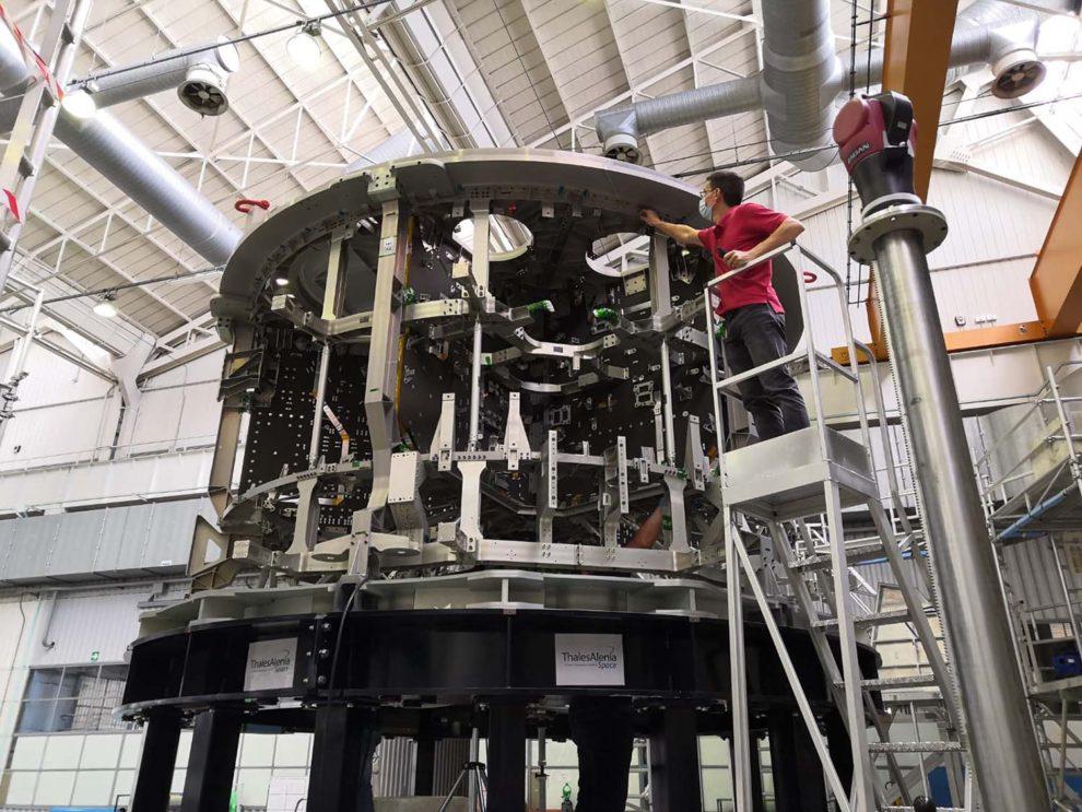 Producción por Airbus de uno de los primeros módulos de servico para la cápsula Orion.