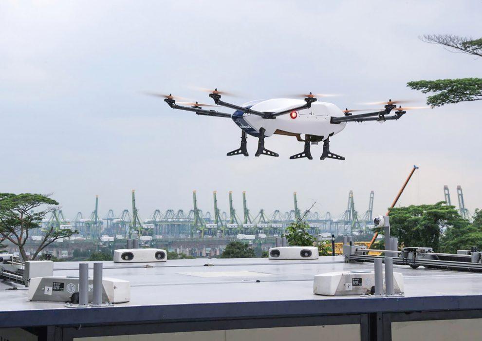 Skyways durante su vuelo de prueba para recoger y descargar automáticamente un paquete.º