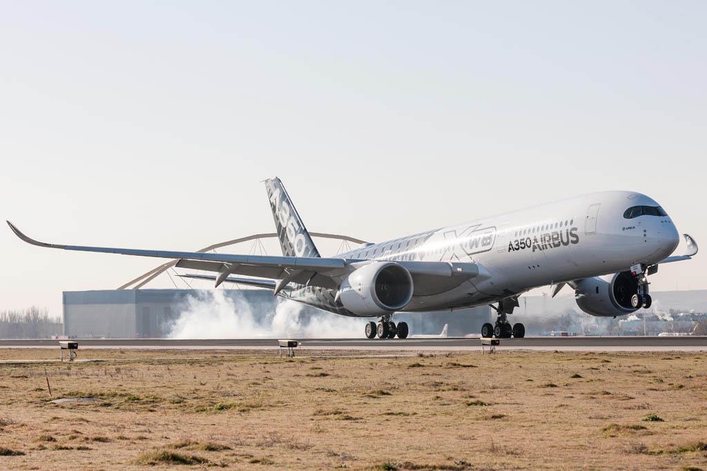 Aterrizaje en el aeropuerto Adolfo Suárez Madrid Barajas por primera vez de un Airbus A350.