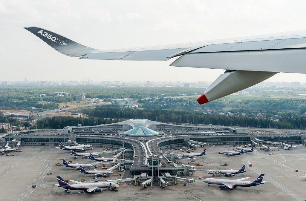 Airbus A350 despegando de Moscú