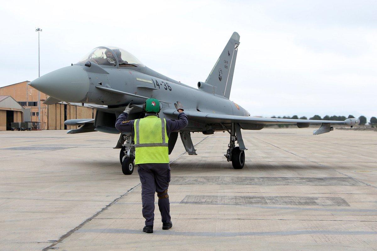 Llegada a Los Llanos del últmo de los Eurofighter españoles.