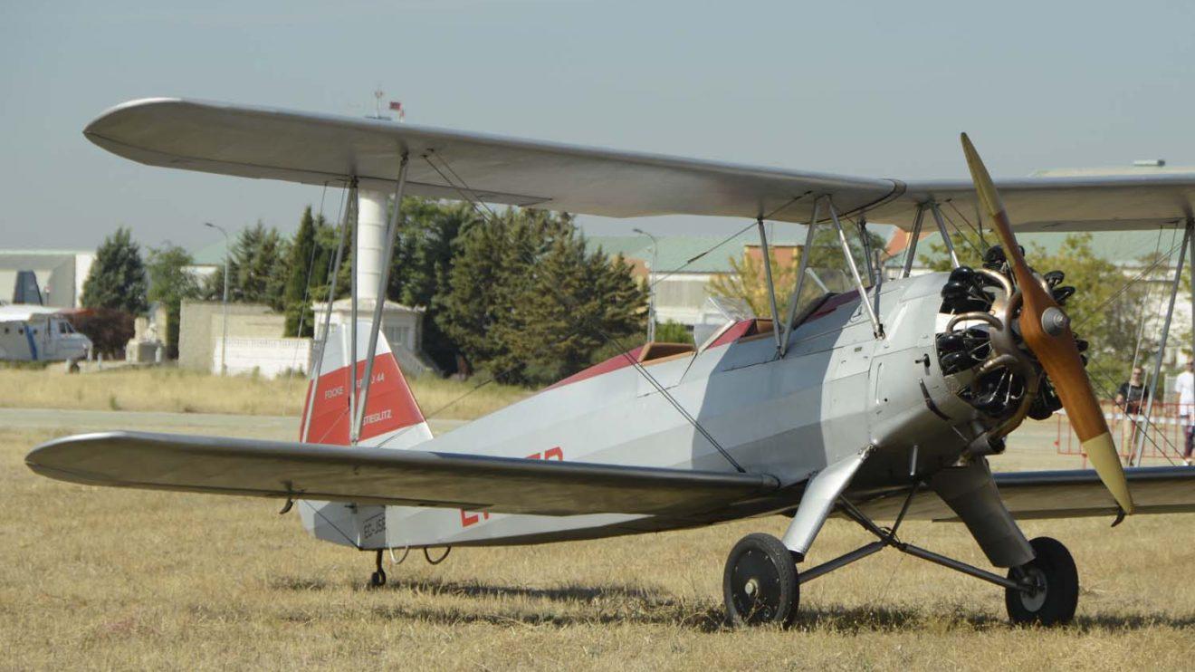 Entre los aviones que expuso la FIO estuvo su Focke Wulf 44J.