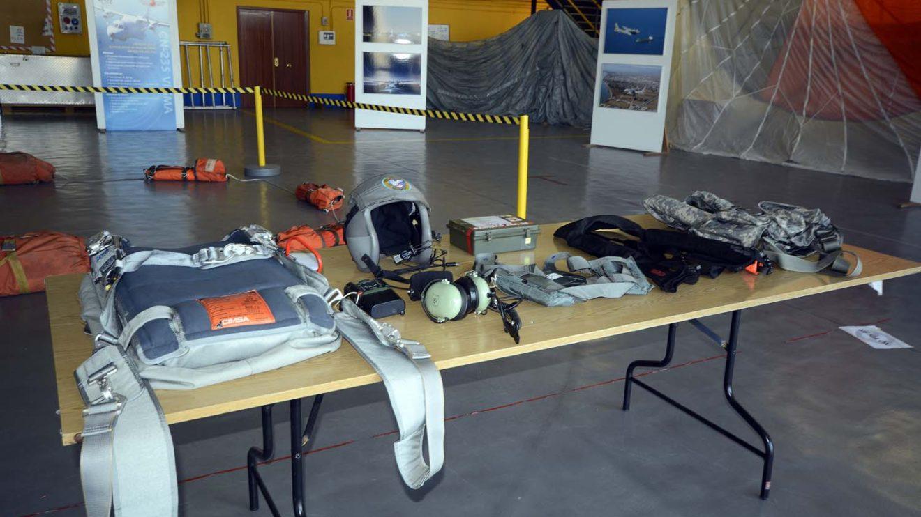 Las unidades del Ala 48 han expuesto diverso material usado en sus misiones.