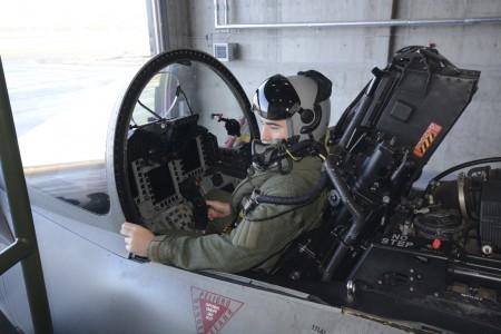 Los pilotos del Ala 11 ya han realizado media docena de salidas reales para interceptar a aviones rusos.