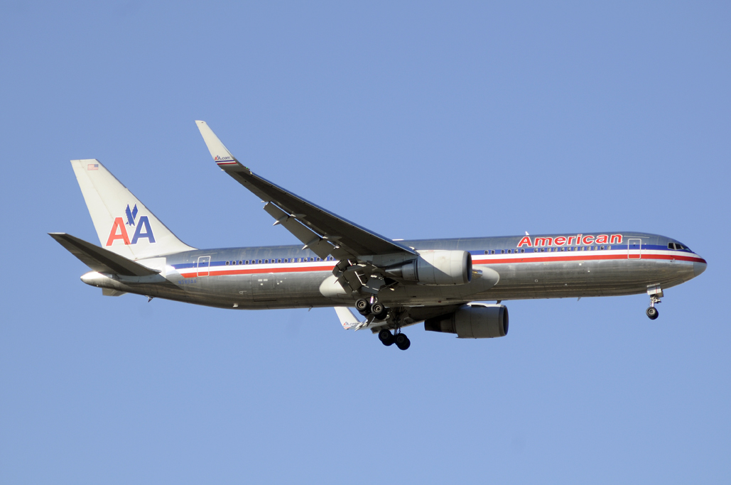 American Airlines767W