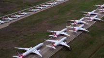 Aviones de American Airlines aparcados por la suspensión de vuelos por el COVID-19.