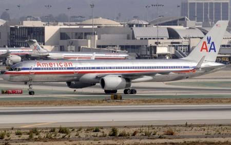 Boeing 757 de American Airlines en el aeropuerto de Los Ángeles