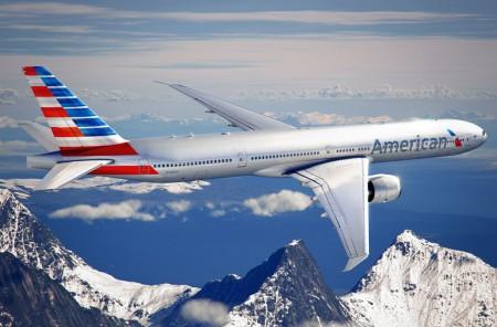 Ilustración de un Boeing 777-300EER con la nueva librea de American Airlines