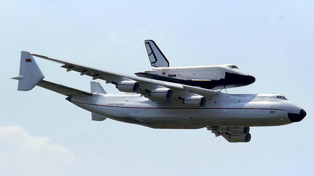 El An-225 portando una lanzadera Buran.