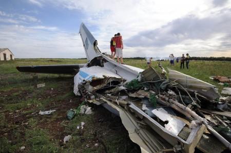 Antonov An-26 derribado en Ucrania.