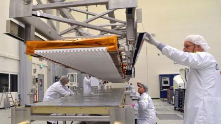 Antena del radar sel Sentinel 1B construida por Airbus Defense and Sapce en Alemania, y de cuyo sistema de despliegue es responsabilidad de la española SENER.