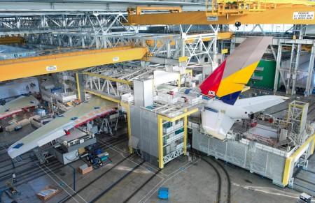 El primer A380 de Asiana en la posición 40