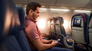 Interior de un avión de Delta.