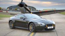 Aston Martin V12 Vantage S Spitfire 80 , uno de los coches aeronáuticos del fabricante británico.