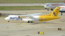 Uno de los tres ATR 72-500 de Aurigny en el aeropuerto de Gatwick. Además cuenta con un ATR 42 y un Embraer 195.