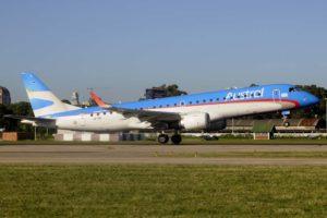 Embraer E190 de Austral en el aeropuerto Aeroparque de Buenos Aires.