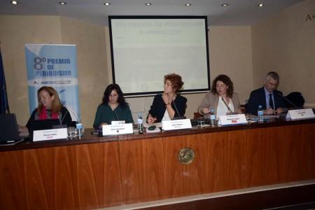 De izquierda a derecha, Rosa Rubio (UPyD), Elena Sevillano (Podemos), Olivia Alonso (USCA, moderadora del debate), Meritxell Codina (PSOE) y Juan Rubio (Ciudadanos).