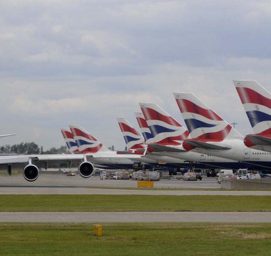 El Gobierno británico podría estudiar quitar slots a British Airways en el aeropuerto de Londres Heathrow si despide a sus trabajadores.
