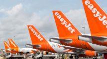 Aviones de Easyjet en el aeropuerto de Londres Gatwick.