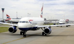 British Airways sigue creciendo y creciendo mes tras mes mientras Iberia va camino del colapso.