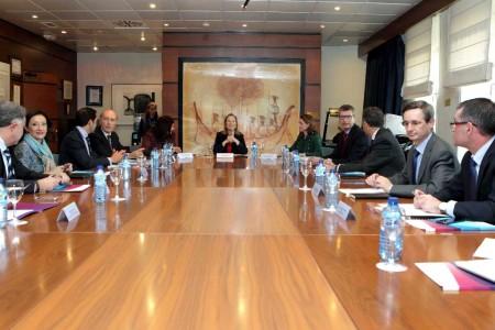 Ana Pastor ha presidido la primera reunión del Comité de Coordinación de rutas de Barajas