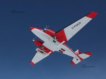El BT-67 C-FGCX durante su primer vuelo en la Antártida.