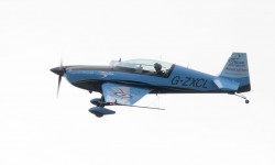 Pese al mal tiempo The Blades hizo un vistosa demostración con sus cuatro aviones