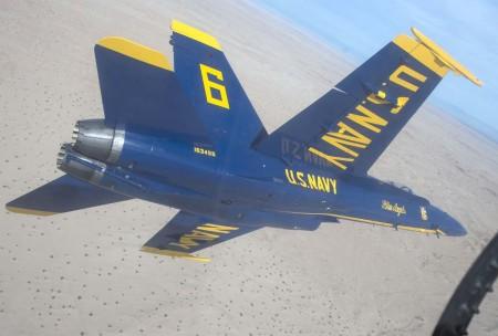Los Blue Angels han tenido varios incidentes en los últimos años por fallos en sus aviones debido a las horas de vuelo que acumulan. En la foto, el capitán Jeff Kuss a los mandos del avión accidentado el pasado mes de enero.