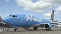Boeing 737-800BCF operado por la aerolínea de Amazon.