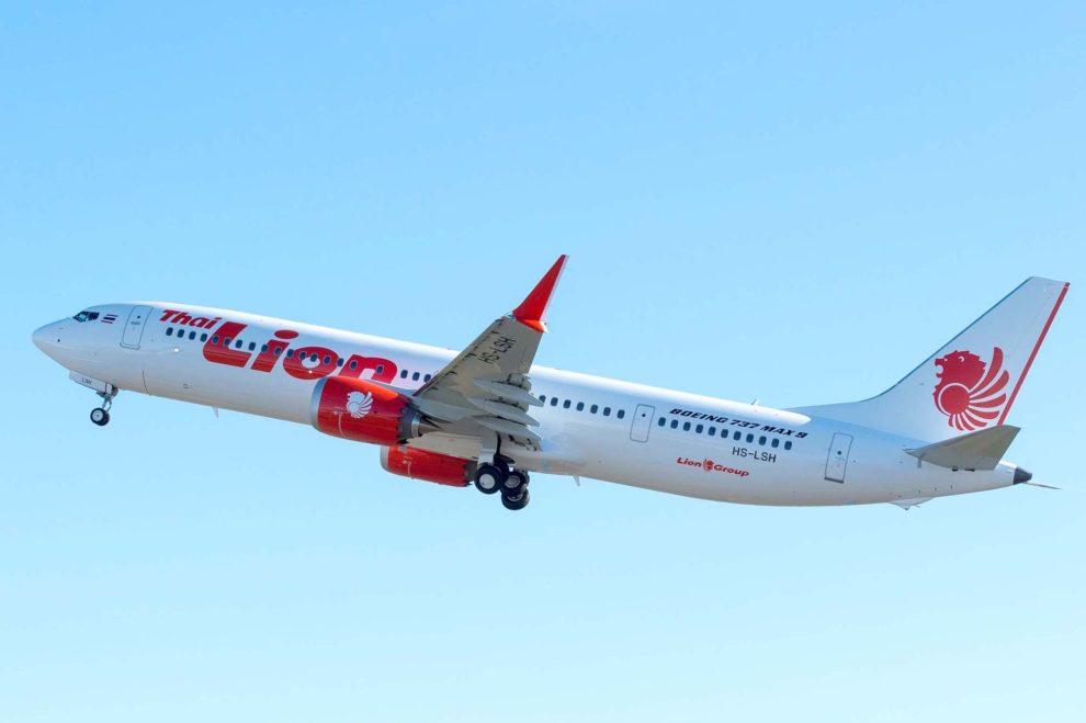 Despegue del primer Boeing 737 MAX 9 en su vuelo de entrega de Boeing Field a Honolulu, escala de camino a su base en Bangkok.