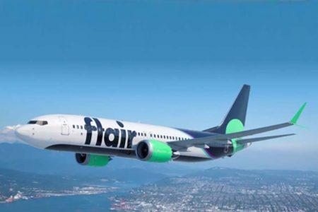 Boeing 737 MAX con los colores de Flair