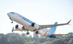 El primero de los Boeing 737 MAX 8 de Fly Dubai en uno de sus vuelos de prueba previos a su entrega.