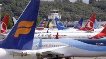 Aviones B-737 MAX almacenados en un parking de coches que Boeing ha habilitado para los aviones en sus instalaciones en Boeing Field.