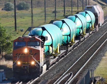 Transporte por tren desde Wichita de los fuselajes de Boeing 737 producidos por Spirit.