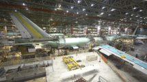 Cadena de montaje del B-747 en la factoría de Everett de Boeing.